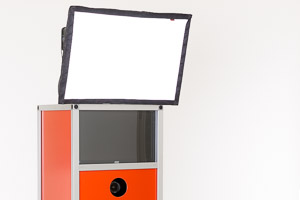 Photo-Booth Fotoautomat bringt eigene Lichtquelle mit